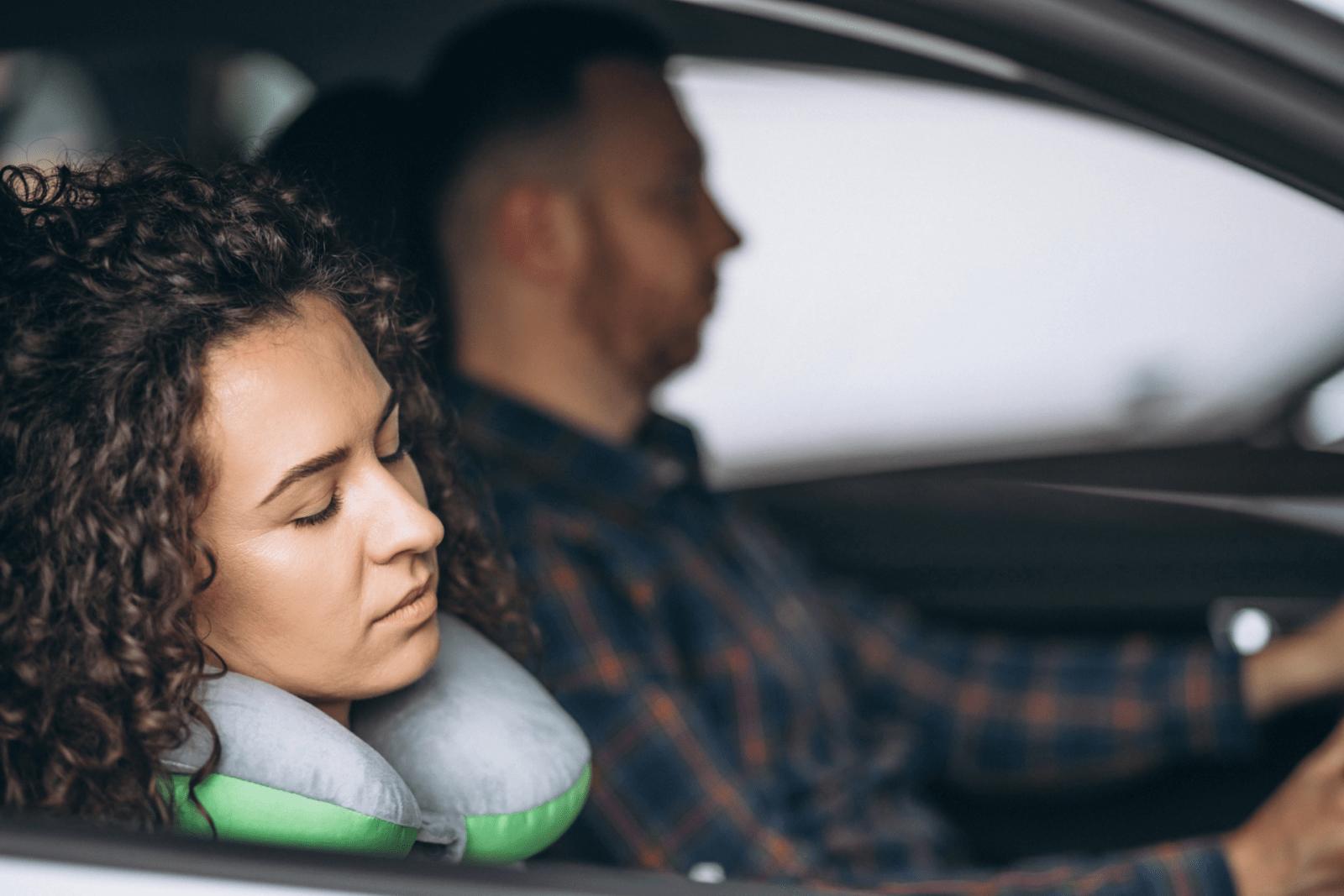 Inslapen in auto